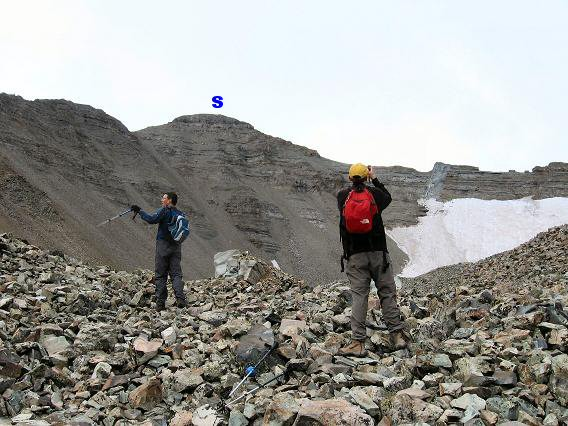 The uppper basin of Castle Peak with its permanent snowfield