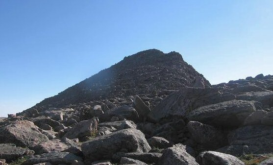 The summit block scrambling - Mt Bierstadt
